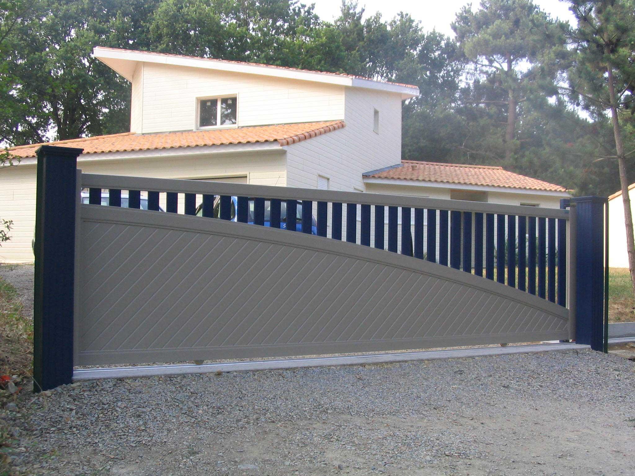 modele de portail coulissant en fer portail coulissant 3m aluminium menuisier ebeniste. Black Bedroom Furniture Sets. Home Design Ideas