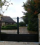 Portail-Glandon-modele-Amboise-avec-pointes-fer-de-lance-noir_V2